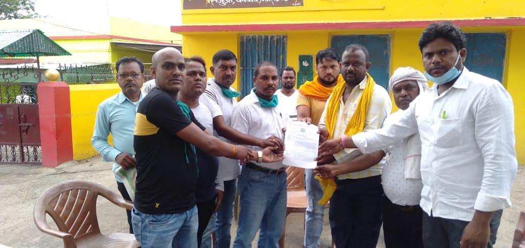 धनबाद निषाद विकास संघ ने  मुख्यमंत्री के नाम एक  ज्ञापन सौंपा