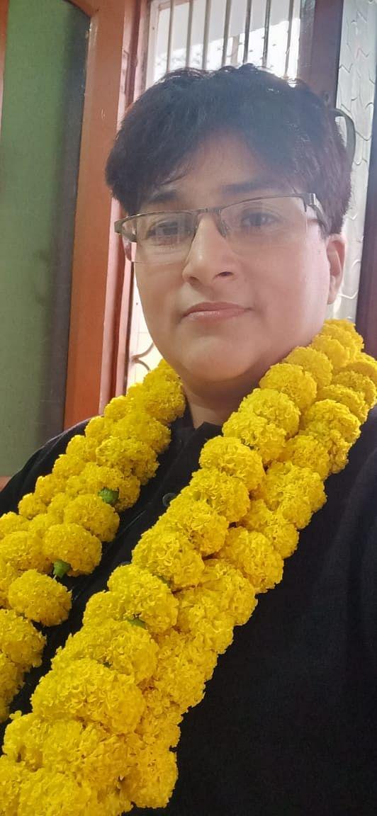 बलिया : पोस्टमास्टर की बेटी शशि का शिक्षक से पीसीएस अफसर तक का सफर