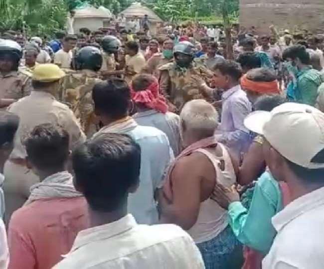 कुशीनगर में दोहरी हत्या, भीड़ ने हत्यारे को मार डाला