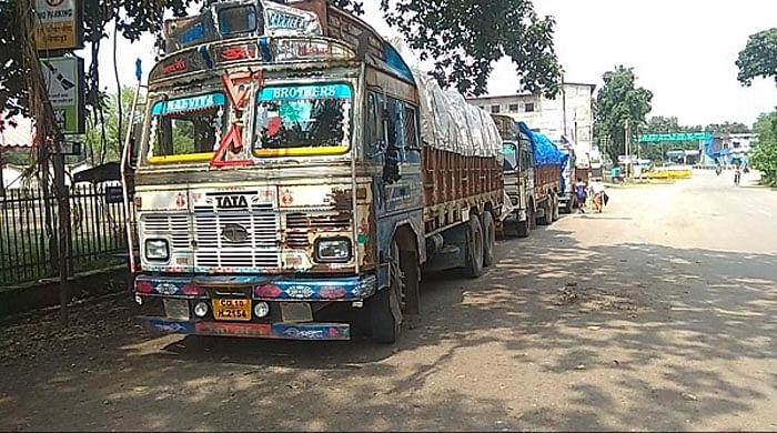 पुलिस ने फूड इंस्पेक्टर ट्रक मालिकों व सेल्समैन को किया नोटिस जारी