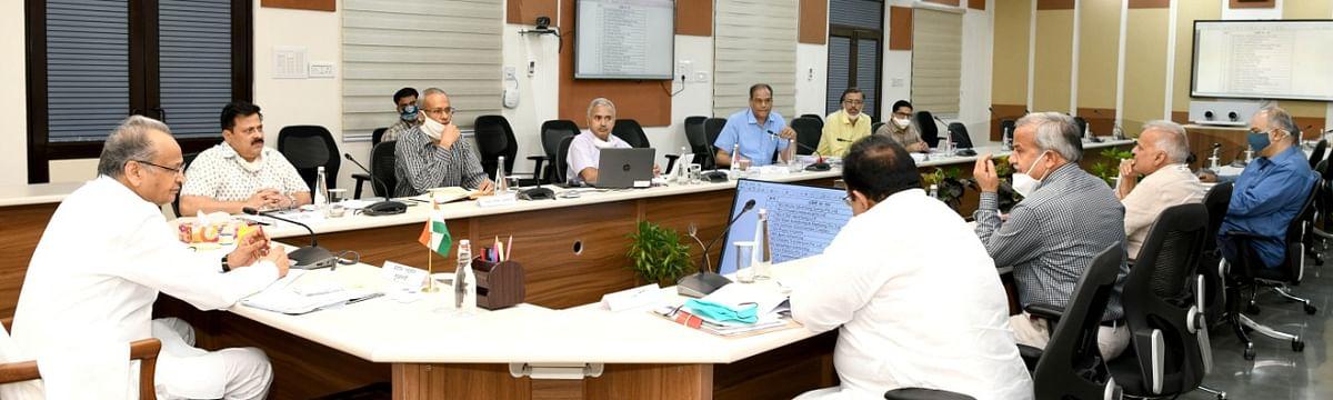 पत्रकारों को रियायती दर पर भूखण्ड के लिए योजना बनाएं -मुख्यमंत्री