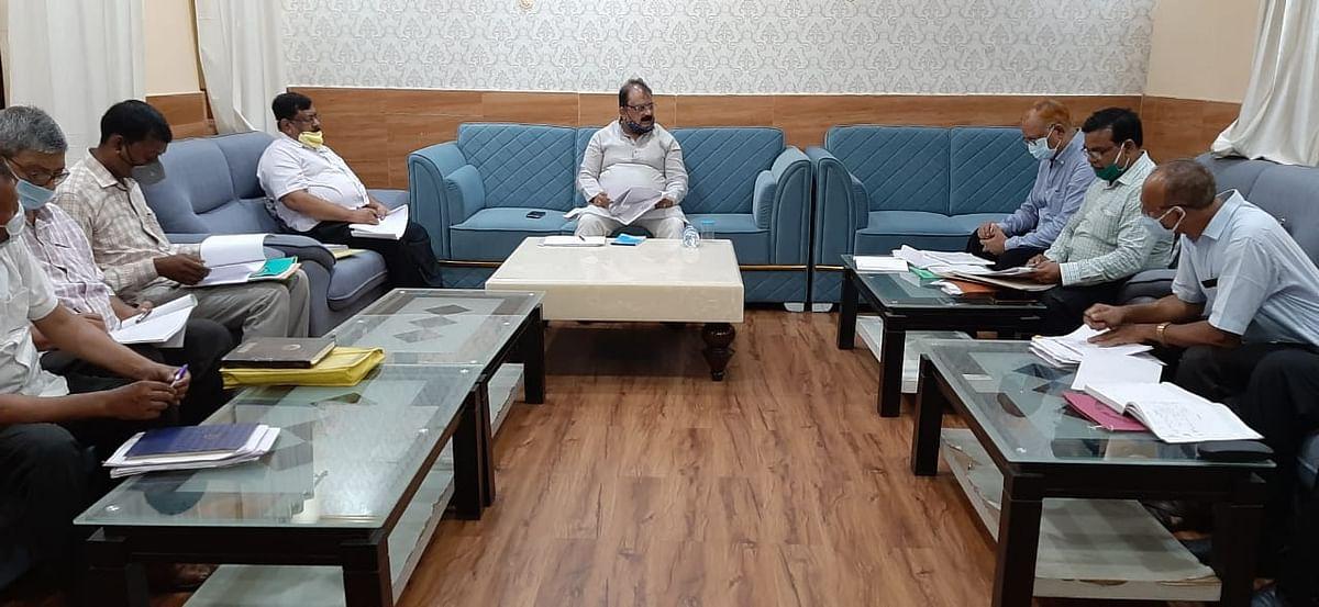 पेयजल एवं स्वच्छता मंत्री ने पेयजलापूर्ति योजनाओं का किया समीक्षात्मक बैठक, दिए ससमय योजनाओं को पूरा करने का निर्देश
