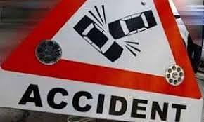 चंदौली में थानाध्यक्ष की गाड़ी पलटी, दो पुलिस कर्मी घायल
