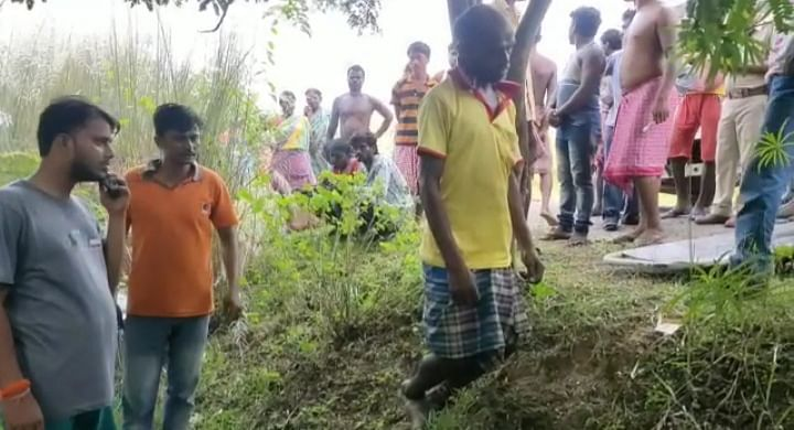 भाजपा कार्यकर्ता का पेड़ से लटकता हुआ शव बरामद