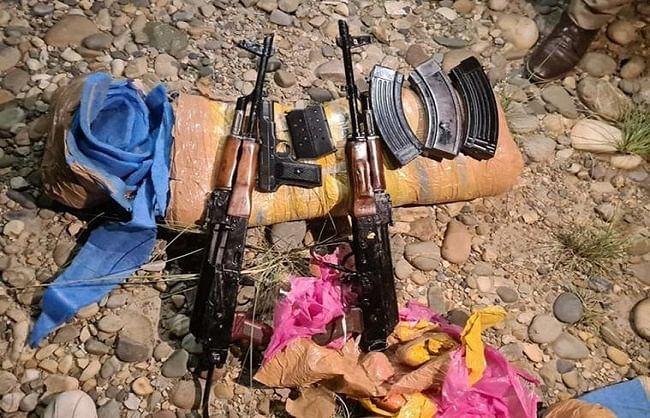 अखनूर सेक्टर में पाकिस्तान ने भेजे ड्रोन से हथियार