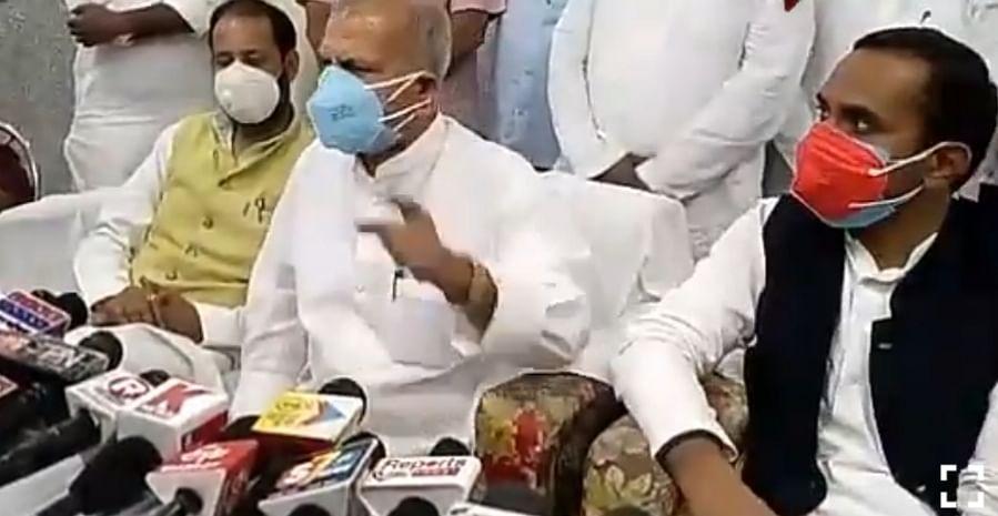प्रतापगढ़ जाते समय सपा प्रतिनिधिमंडल को पुलिस ने रोका, प्रदेश अध्यक्ष ने कहा, हर मोर्चे पर विफल है सरकार