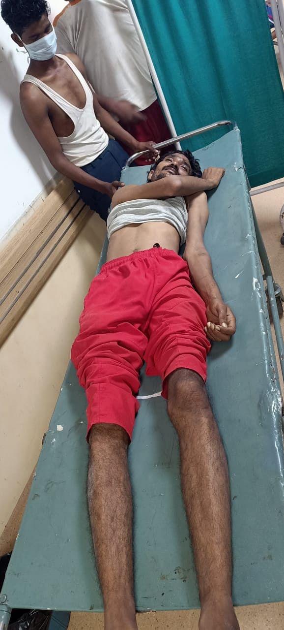 नोएडा प्राधिकरण के खिलाफ प्रदर्शन के बीच कर्मचारी ने की आत्महत्या