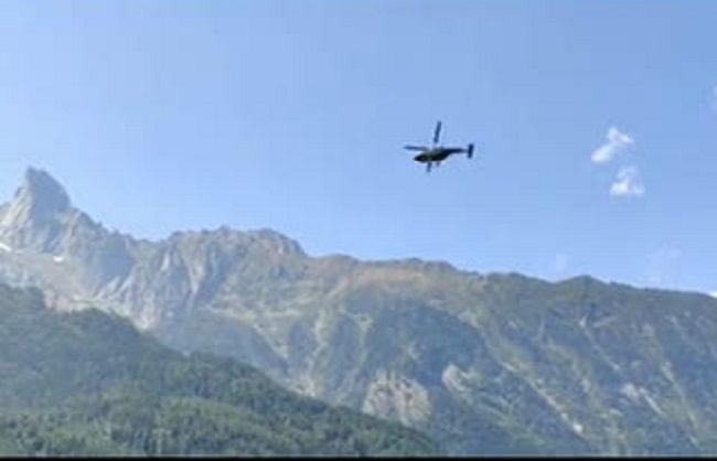 उत्तरकाशी: चीन सीमा पर सैन्य हलचल तेज, वायुसेना के हेलीकॉप्टर ने किया निरीक्षण