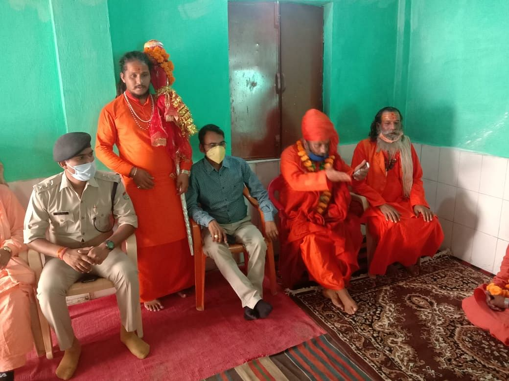 छड़ी यात्रा के रुद्रप्रयाग पहुंचने पर भक्तों ने किया पुष्प वर्षा से स्वागत