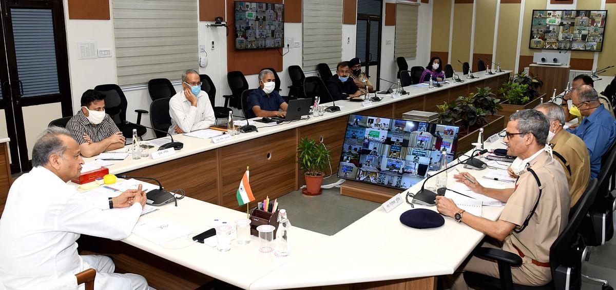 माफिया के खिलाफ फिर से चलाएं संगठित अभियान: मुख्यमंत्री