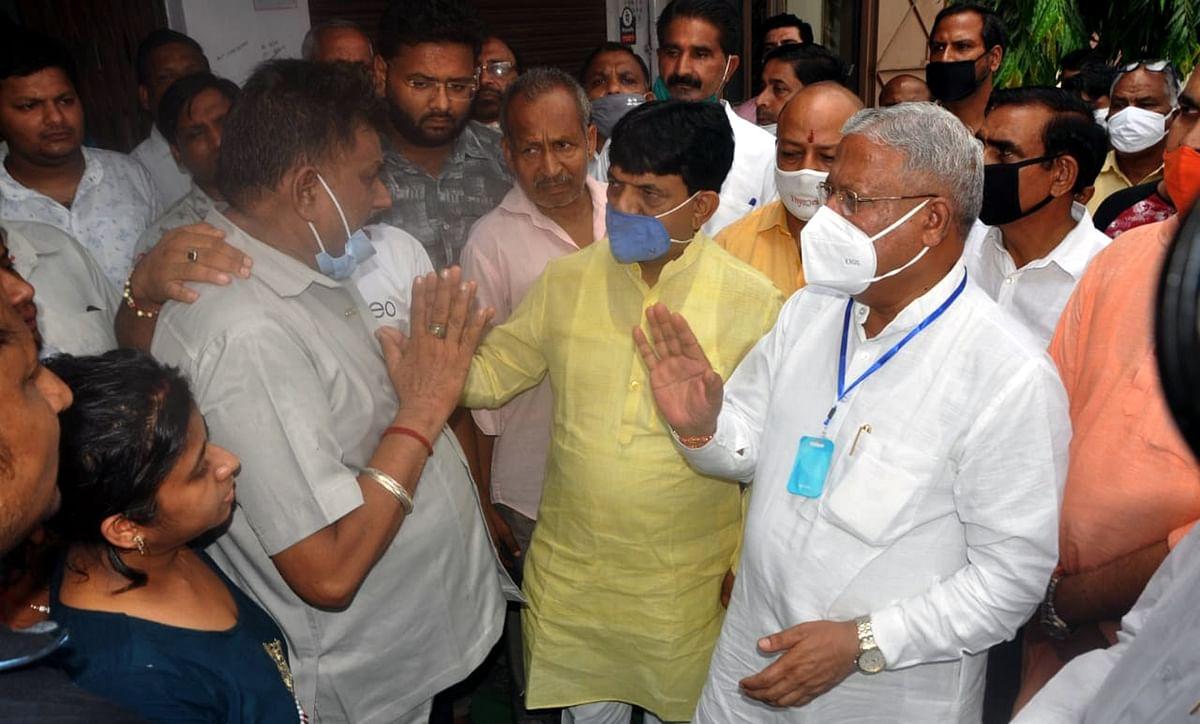 अमन जैन हत्याकांड: शोक सभा में पहुंचे तमाम नेता, व्यापार संघ ने किया मेरठ बंद का ऐलान