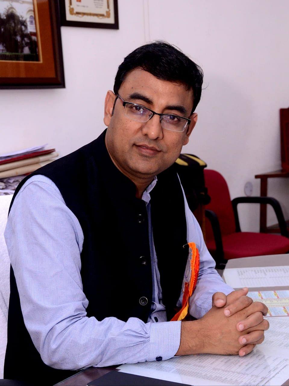 कृष्ण कुमार यादव बने वाराणसी परिक्षेत्र के नए पोस्टमास्टर जनरल