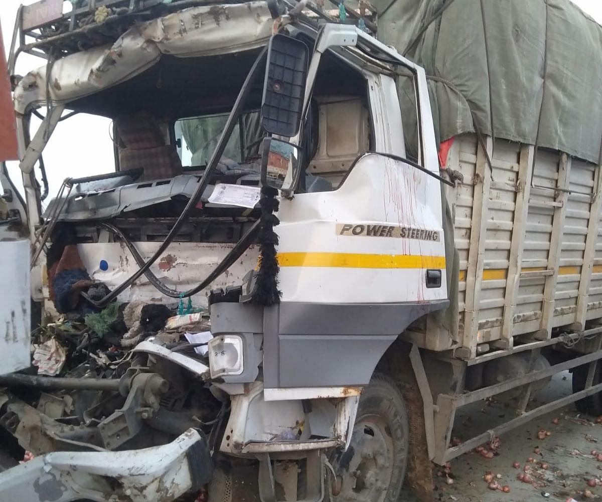 ईपीई पर खड़े ट्रक से टकराया कैंटर, हेल्पर की मौत