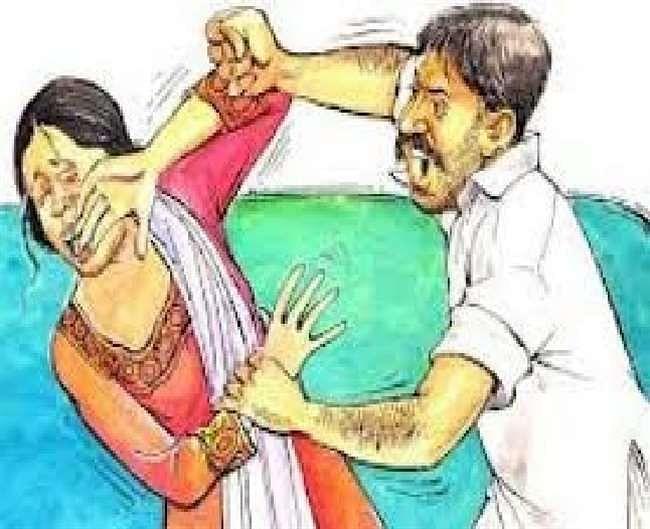 शराबी पति ने पत्नी को चाकू मार किया लहूलुहान, अस्पताल में भर्ती