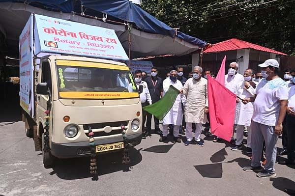 मुख्यमंत्री भूपेश ने 'कोरोना विजय रथ' को ध्वज दिखा कर रवाना किया
