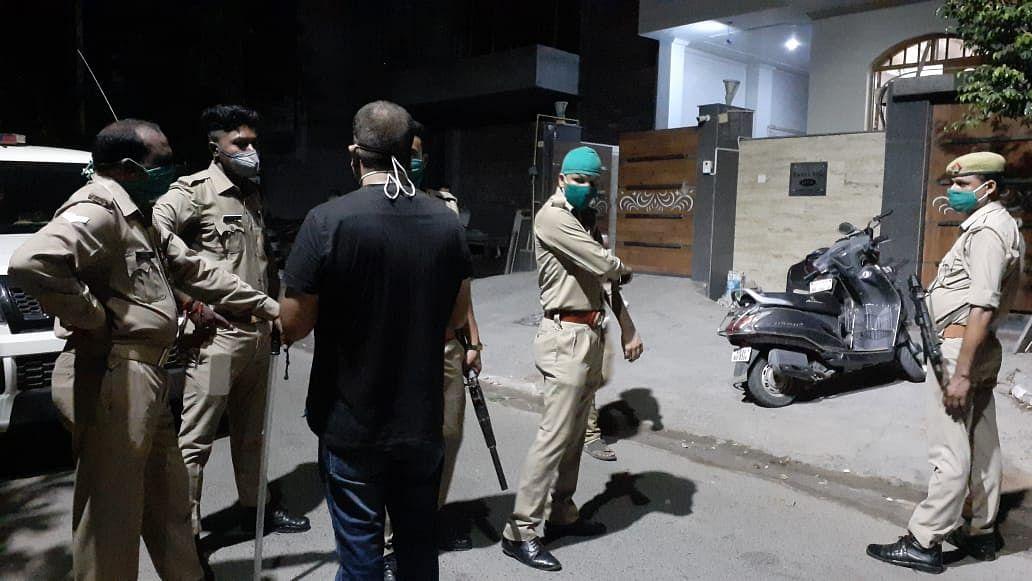 आगरा : बीटेक के छात्र ने गोली मारकर की खुदकुशी