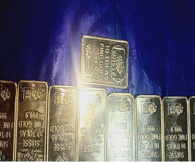 अमौसी एयरपोर्ट पर यात्री के पास मिले 33 सोने के बिस्कुट