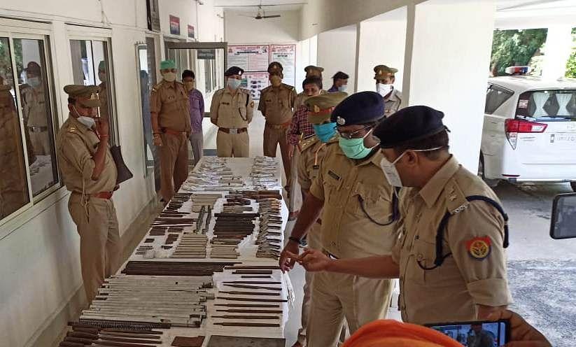पुलिस ने पकड़ी अवैध शस्त्र बनाने की फैक्ट्री, असलाह-उपकरण सहित तीन गिरफ्तार