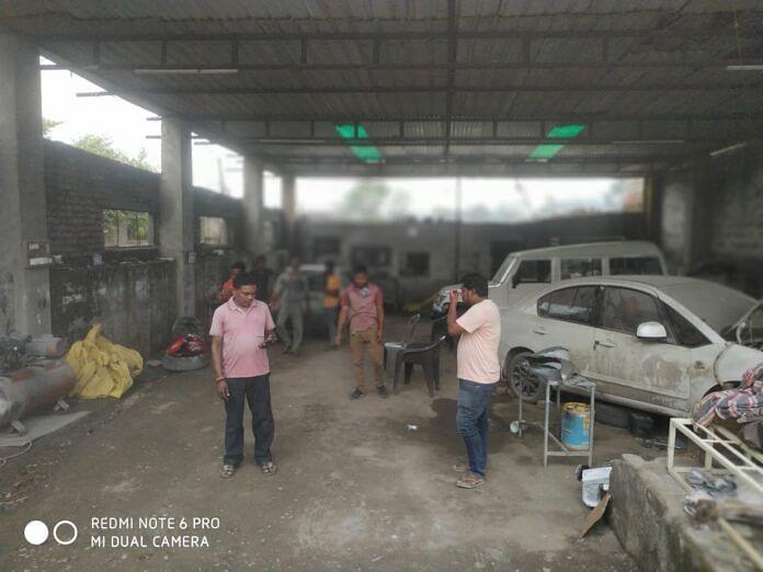 चोरों के हौसलें हुए बुलंद, सर्विस सेंटर से पार कर दी टीआई की कार