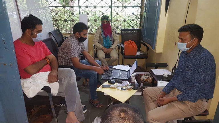 बड़नगर सीएमओ के तीन ठिकानों पर लोकायुक्त का छापा, 40 बैंक खातों का पता चला