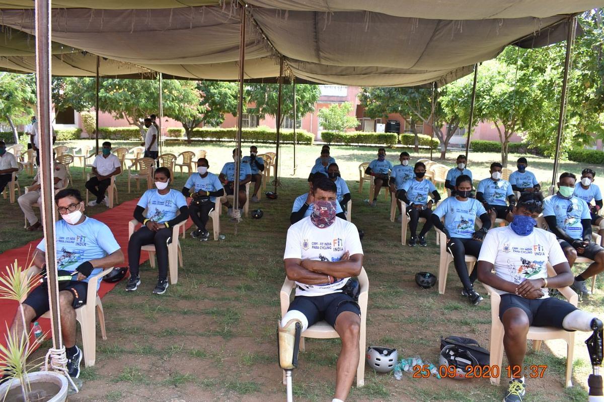 पैरा साइक्लिस्ट दल का अजमेर सीआरपीएफ ने किया अभिनन्दन