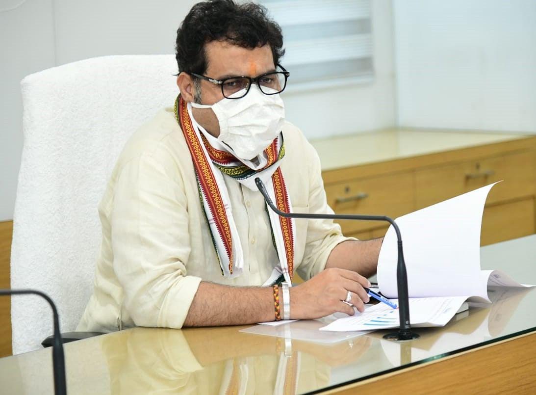 लाइनलॉस 15 प्रतिशत से नीचे लाएं 24 घंटे निर्बाध व सस्ती बिजली पाएं : श्रीकान्त शर्मा