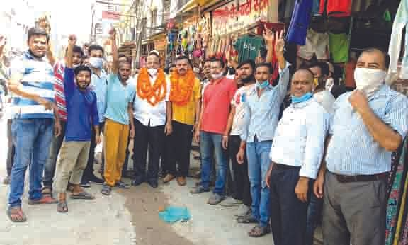 व्यापारियों ने किया जिलाध्यक्ष नीरज व जिला महामंत्री संजय त्रिवाल का स्वागत