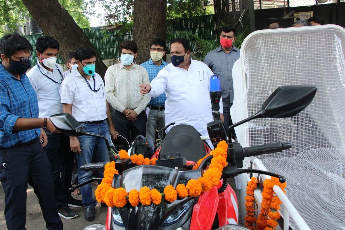 अब शहरों के संकरे रास्तों में मरीजों के लिए पहुंचेंगी बाइक एंबूलेंस