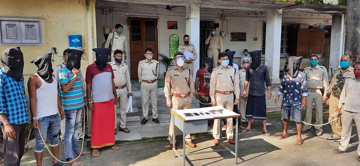 कुंडा थाना क्षेत्र के नौलक्खा समीप हुए  गोली कांड के आठ आरोपियों को पोलिस ने किया गिरफ्तार