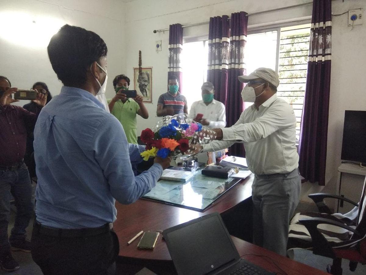 चितरपुर बीडीओ के रूप में उदय कुमार ने किया पदभार ग्रहण