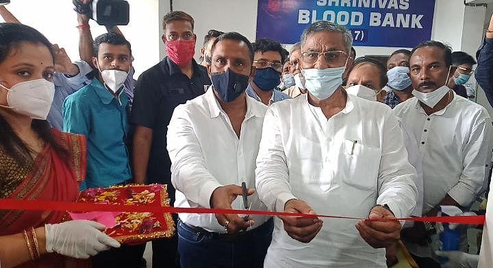 स्वास्थ्य मंत्री ने निजी आरटीपीसीआर लैब का किया उद्घाटन