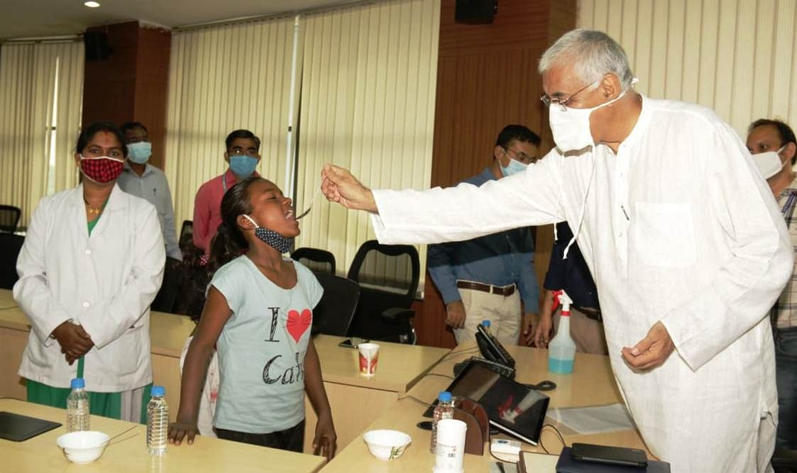 स्वास्थ्य मंत्री  टी.एस. सिंहदेव ने किया  राष्ट्रीय कृमि मुक्ति दिवस कार्यक्रम का राज्य स्तरीय शुभारंभ किया