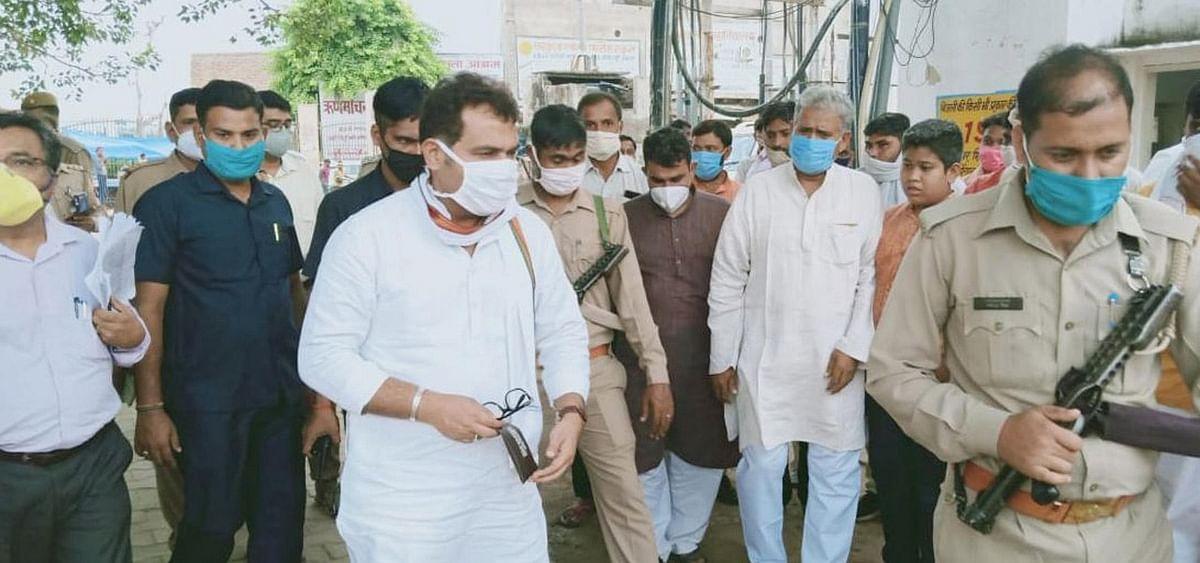 ऊर्जा मंत्री श्रीकांत शर्मा बोले, गोवर्धन क्षेत्र में हो रही चोरियों  पर अंकुश लगाये पुलिस