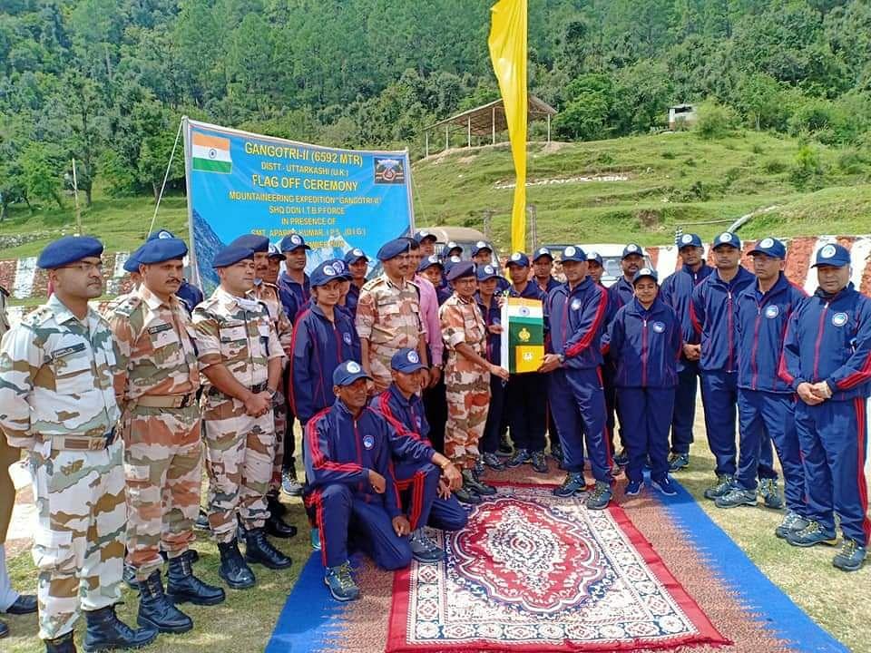 आईटीबीपी का 56 सदस्यीय दल गंगोत्री-2 चोटी के लिए रवाना