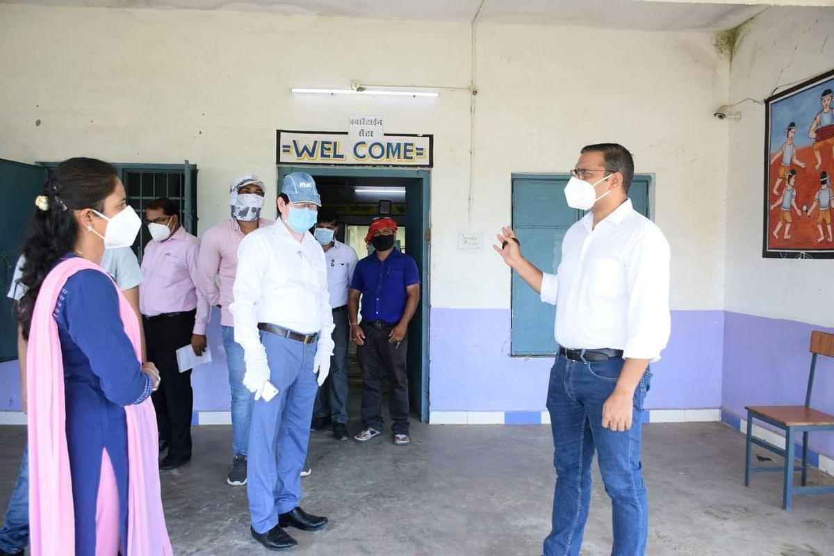 कुरूद तहसील कार्यालय व सिविल अस्पताल का कलेक्टर ने किया निरीक्षण