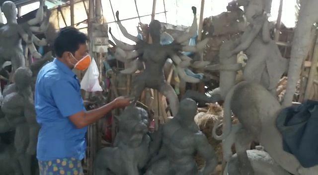 कोरोना का असर : मूर्तिकारों के लिये गणेशोत्सव की तरह दुर्गोत्सव भी रहेगा सूना
