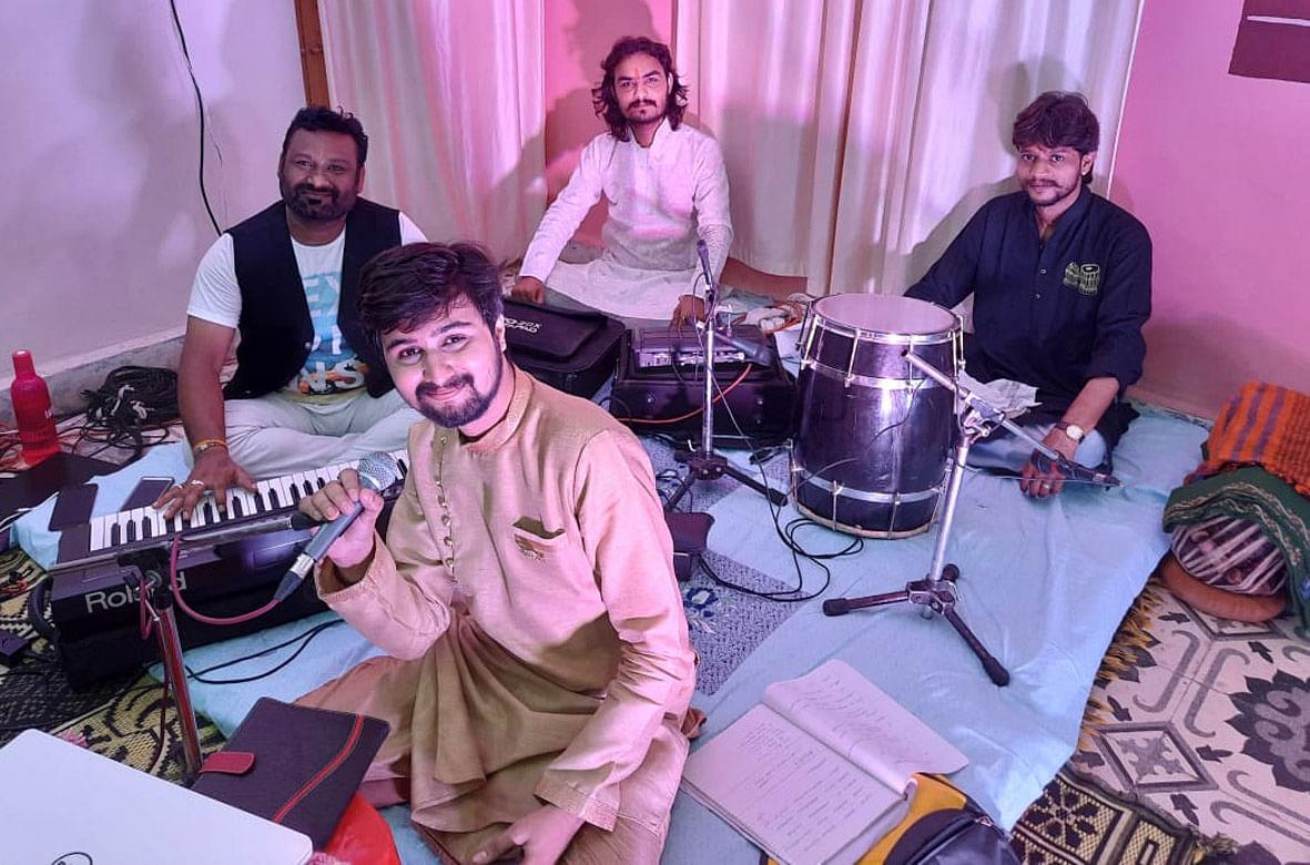 रतलाम के कलाकार ने मुंबई में शानदार प्रस्तुतियां दी