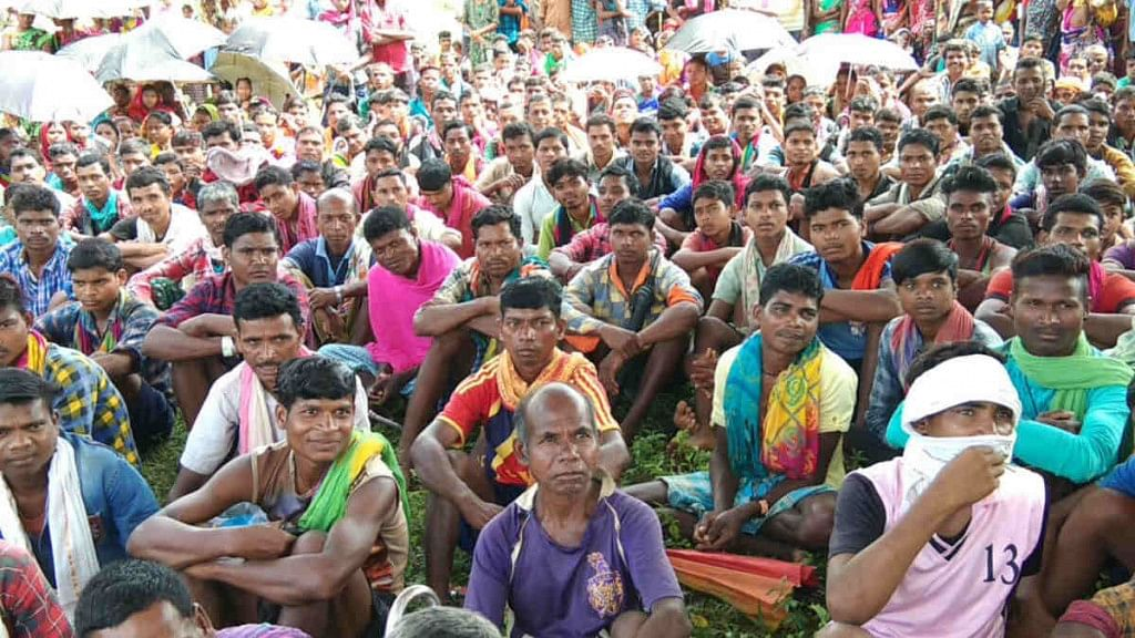 नक्सलियों के दबाव  में 10 गांव के ग्रामीणों ने पुलिस कैंप खोलने का किया विरोध