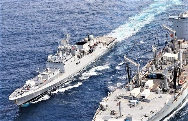 भारत के जंगी जहाज ने अमेरिकी टैंकर से लिया अरब सागर में ईंधन