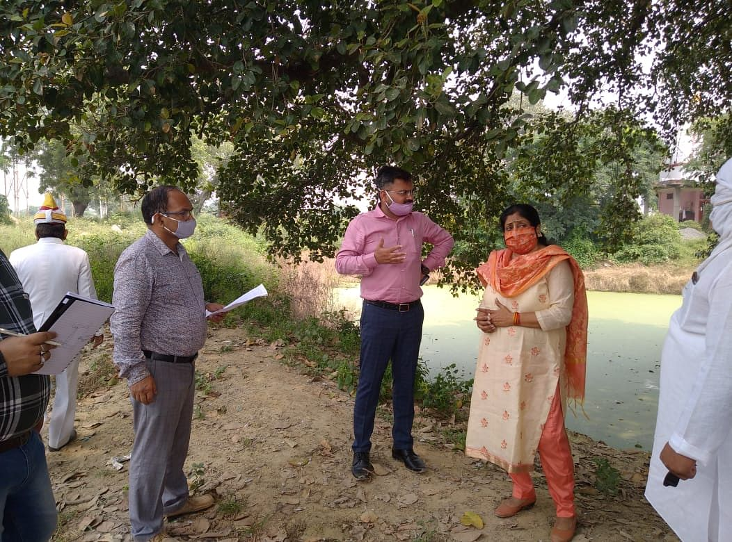 बम्हेटा में तीन सौ साल पुराने बरगद के पेड़ व तालाब को भव्य रूप देगा नगर निगम