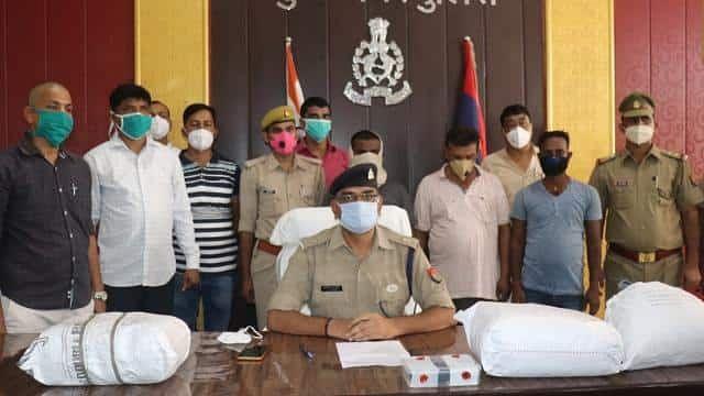कुशीनगर : तीन तस्कर गिरफ्तार, भारी मात्रा में गांजा जब्त