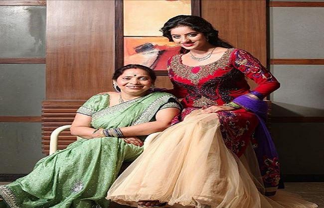 दीपिका सिंह ने सोशल मीडिया पर शेयर की मां संग तस्वीर, लिखा भावुक नोट