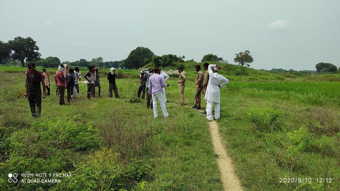 मेला क्षेत्र में शव दफना रहे मुसहरों को पुलिस ने रोका