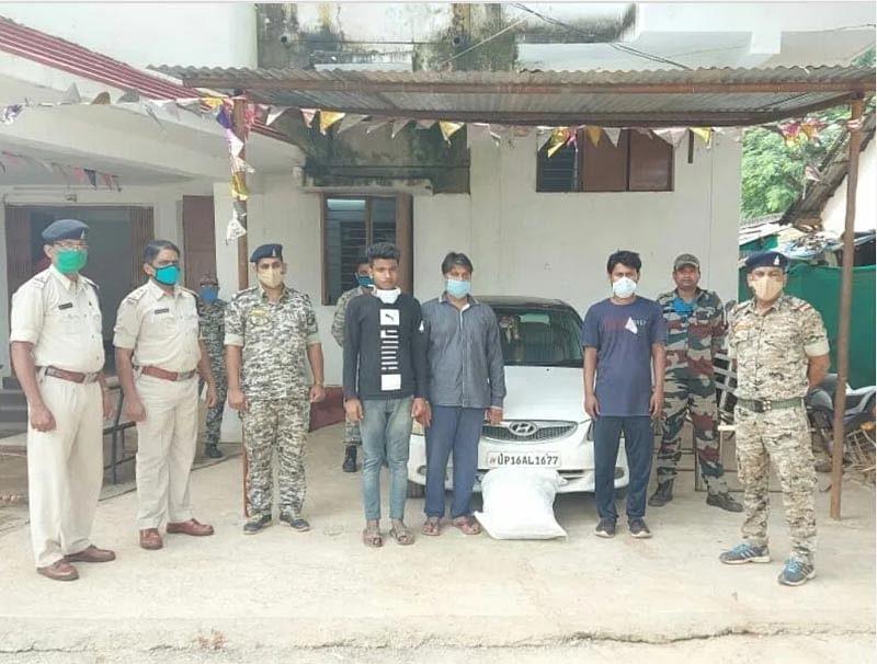 10 किलो गांजा सहित तीन तस्कर गिरफ्तार
