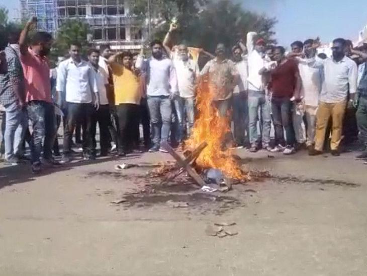 कंगना के समर्थन में जयपुर में शिवसेना के खिलाफ प्रदर्शन