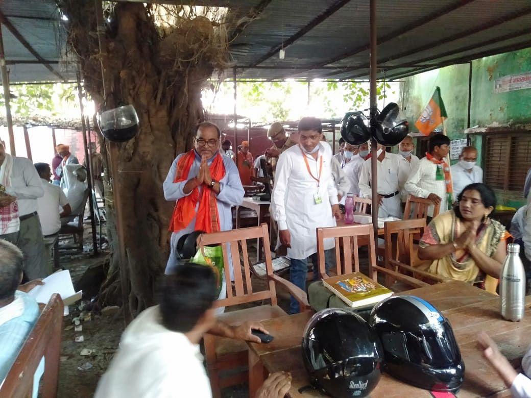 भारत मोदी के नेतृत्व में विश्व गुरु बनने को अग्रसर : डॉ त्रिपाठी