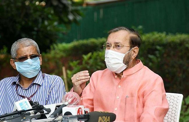 दिल्ली में पराली से सिर्फ 4 प्रतिशत प्रदूषण बढ़ता है, 96 प्रतिशत स्थानीय कारण: जावड़ेकर