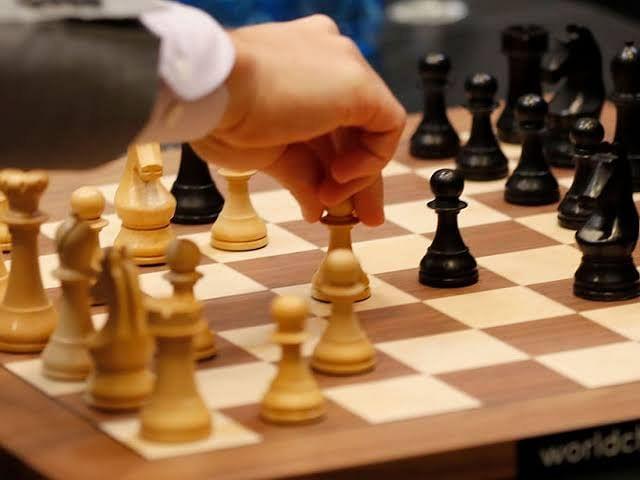 एलएएचएस इंटरनेशनल शतरंज टूर्नामेंट में साक्षी बनी चैम्पियन