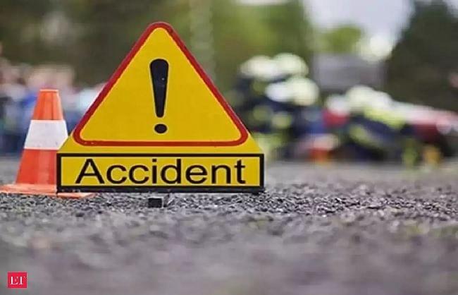पौड़ीः कार खाई में गिरी, फरीदाबाद के दो लोगों की मौत, तीन घायल