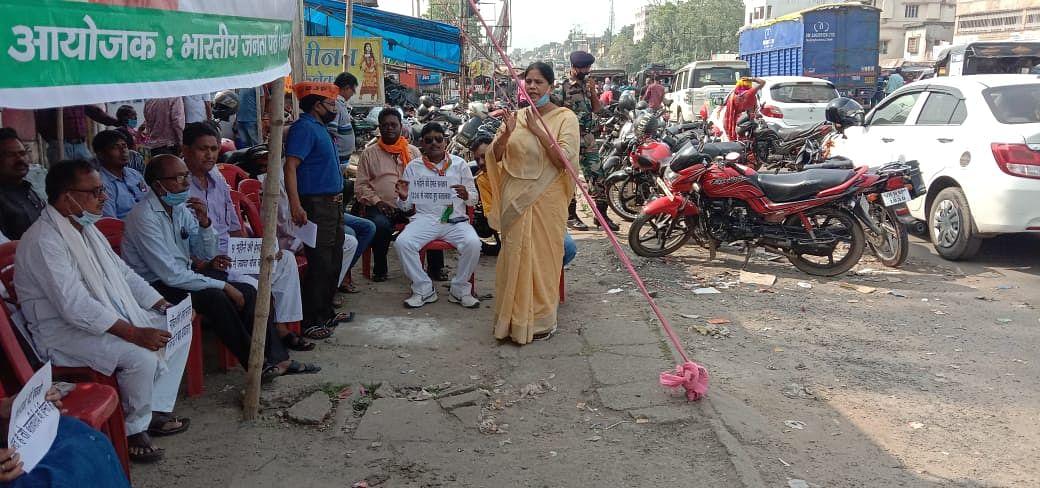 हेमंत राज में महिलाएं सुरक्षित नहीं : अपर्णा  सेन